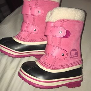 Sorel waterproof toddler snow boots size 8